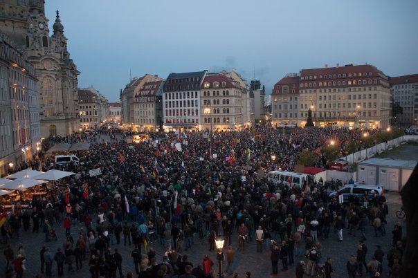 Pegida-Kundgebung um 18:50 Uhr